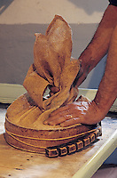 Europe/France/Midi-Pyrénées/09/Ariège/Env. de Castillon-en-Couserans/Ayet: Fabrque de fromage de Bethmale<br /> PHOTO D'ARCHIVES // ARCHIVAL IMAGES<br /> FRANCE 1980