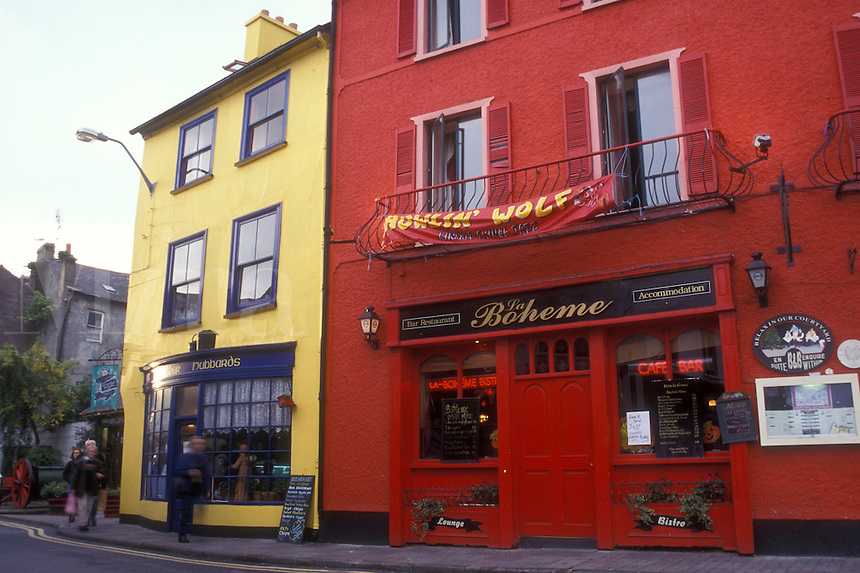 AJ0974, Europe, Republic of Ireland, Ireland, Kinsale, Colorful shops and restaurants adorn the picturesque town of Kinsale in County Cork.
