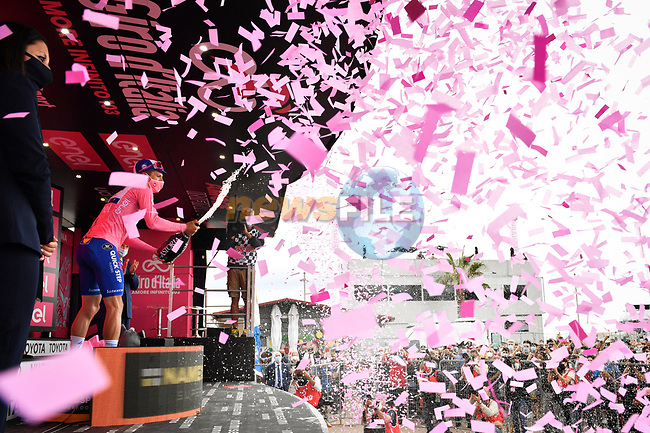 French Champion Arnaud Demare (FRA) Groupama-FDJ wins Stage 4 of the 103rd edition of the Giro d'Italia 2020 running 140km from Catania to Villafranca Tirrena, Sicily, Italy. 6th October 2020.  <br /> Picture: LaPresse/Massimo Paolone | Cyclefile<br /> <br /> All photos usage must carry mandatory copyright credit (© Cyclefile | LaPresse/Massimo Paolone)