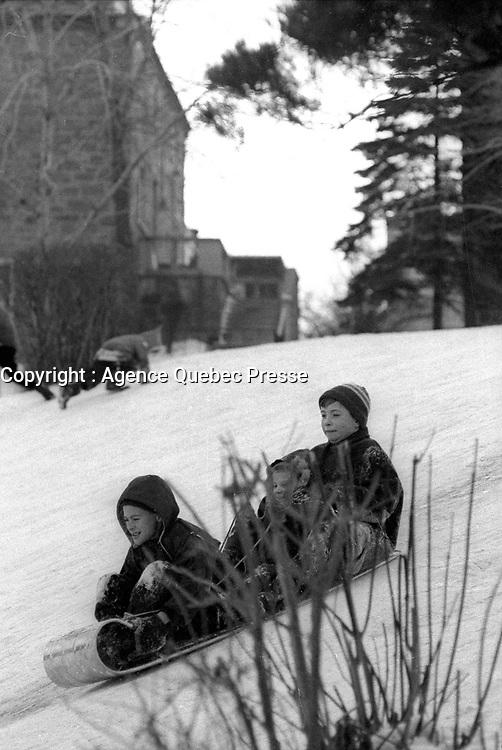 Sports d'hiver en 1965<br /> (date exacte inconnue)<br /> <br /> PHOTO :  Alain  Renaud - Agence Quebec Presse