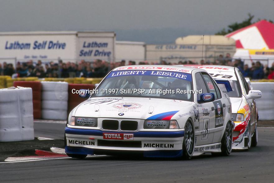 1997 British Touring Car Championship. #19 Colin Gallie (GBR). Team DCRS. BMW 320i.