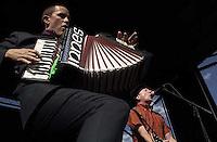 Flogging Molly. Warped Tour. 06/22/2002, 5:18:41 PM<br />