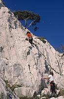 Europe/France/Provence-Alpes-Côte d'Azur/13/Bouches-du-Rhône/Marseille: Escalade dans les falaises de la calanque de Sormiou, Auto N°: 332