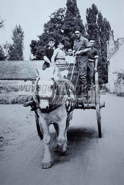Europe/France/Centre/37/Indre-et-Loire/Civray-de-Touraine: Vendanges en 1938 - Départ pour les vendanges en charette tractée par un cheval