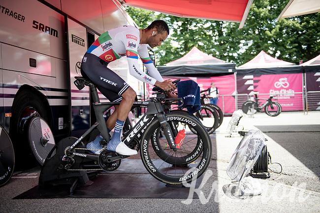 Amanuel Ghebreigzabhier (ERI/Trek - Segafredo) warming up ahead of his time trial<br /> <br /> 104th Giro d'Italia 2021 (2.UWT)<br /> Stage 21 (final ITT) from Senago to Milan (30.3km)<br /> <br /> ©kramon