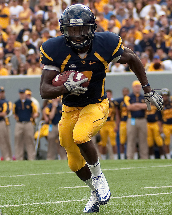 September 4, 2010: WVU running back Noel Devine. The West Virginia Mountaineers defeated the Coastal Carolina Chanticleers 31-0 on September 4, 2010 at Mountaineer Field, Morgantown, West Virginia.