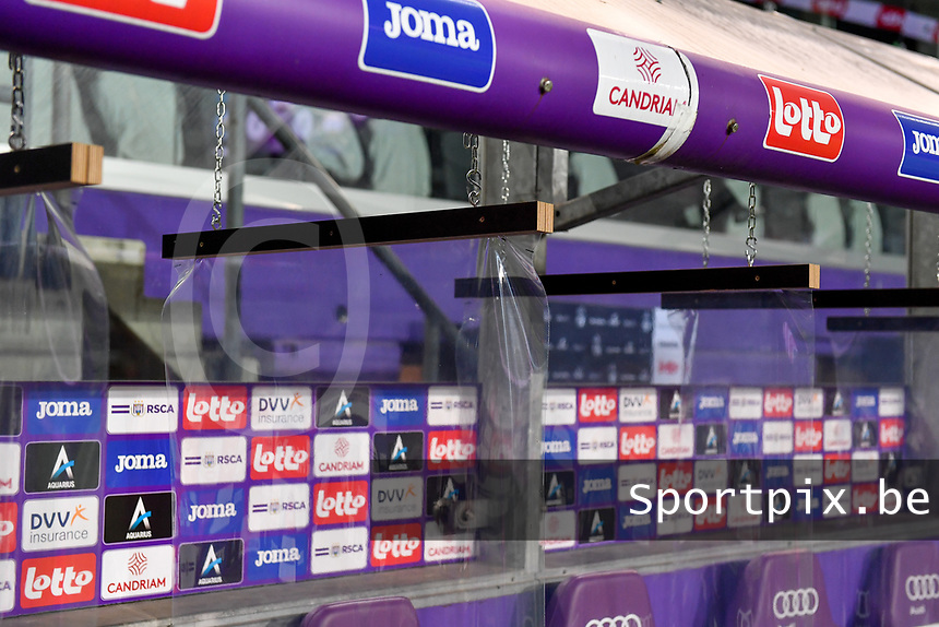 The bench pictured with plastic flaps between each seat during a female soccer game between RSC Anderlecht Dames and Northern Irish Linfield Ladies  in the first qualifying round for the Uefa Womens Champions League of the 2020 - 2021 season , Wednesday 4 th of November 2020  in ANDERLECHT , Belgium . PHOTO SPORTPIX.BE | SPP | DAVID CATRY