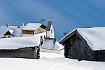 Italien, Suedtirol, Groednertal, oberhalb Wolkenstein, am Groednerjoch, Passhoehe 2.585 m   Italy, Alto Adige - Trentino, South Tyrol, above Selva di Val Gardena: passroad Passo Gardena (2.585 m)