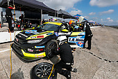#77 LA Honda World Racing Honda Civic TCR, TCR: Pit Stop, Taylor Hagler, Ryan Eversley