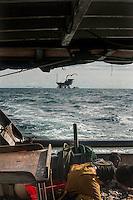 Riviera adriatica, Bellaria, pesca nel mare adriatico, con pescherecci e reti, trivelle