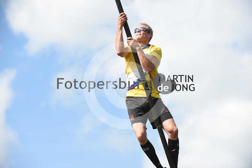 POLSTOKVERSPRINGEN/FIERLJEPPEN: VLIST: 14-08-2021, Tweekamp Holland - Friesland, Jaco de Groot, ©Martin de Jong