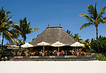 MUS, Mauritius, Black River, Flic en Flac: La Pirogue Hotel - Restaurant am Strand   MUS, Mauritius, Black River, Flic en Flac: La Pirogue Hotel - beach-restaurant
