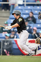 May 2, 2009:  Third Baseman Jonathan Diaz of the New Hampshire Fisher Cats, Eastern League Class-AA affiliate of the Toronto Blue Jays, during a game at the NYSEG Stadium in Binghamton, NY.  Photo by:  Mike Janes/Four Seam Images
