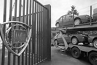 - strike and demonstration of Lancia cars factory workers (FIAT group) against closure of the plant in Chivasso (June 1992)<br /> <br /> - sciopero e manifestazione operai della fabbrica di automobili Lancia (gruppo FIAT) contro la chiusura dello stabilimento di Chivasso (giugno 1992)