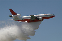 - antifire water bomber 10  DC Air Tanker....- bombardiere ad acqua antincendi DC 10 Air Tanker..