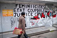 Europe/Ile de France/ 75011/Paris :  Graffiti  contre féminicide Rue Saint Maur // Europe / Ile de France / 75011 / Paris: Graffiti against feminicide Rue Saint Maur