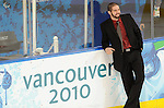 Greg Westlake, Vancouver 2010 - Para Ice Hockey // Para-hockey sure glace.<br /> Team Canada plays against Italy in Para Ice Hockey action // Équipe Canada affronte l'Italie dans un match de para-hockey sur glace. 13/03/2010.