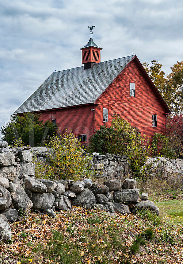 Rustic red barn, New Hampshire, USA