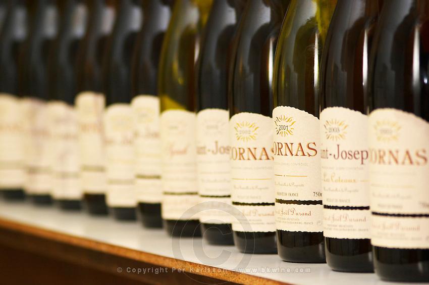 A long line of bottles for tasting in the tasting room, Cornas, Saint Joseph, Syrah,... Domaine Eric et Joel Joël Durand, Ardeche, Ardèche, France, Europe
