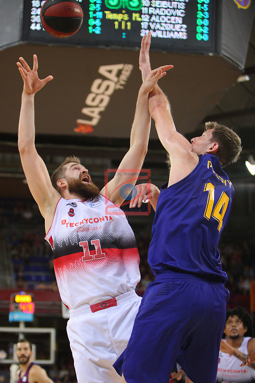 League ACB-ENDESA 201/2019.Game 38.<br /> PlayOff Semifinals.1st match.<br /> FC Barcelona Lassa vs Tecnyconta Zaragoza: 101-59.<br /> Victor Claver vs Nemanja Radovic.