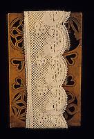 Europe/France/Auvergne/43/Haute-Loire/Le Puy-en-Velay: Le musée Crozatier - Détail planchette dentelière