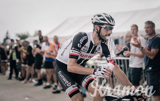 Roy Curvers (NED/Sunweb) with gazette & bidon before the descent on top of the final climb of the day: the Mont du Chat (HC/8.7km/10.3%)<br /> <br /> 104th Tour de France 2017<br /> Stage 9 - Nantua › Chambéry (181km)