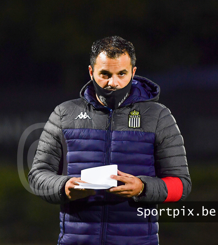 head coach Tiziano Rutilo of Sporting Charleroi pictured during a female soccer game between Sporting Charleroi and Club Brugge YLA on the fourth matchday of the 2020 - 2021 season of Belgian Scooore Womens Super League , friday 9 nd of October 2020  in Marcinelle , Belgium . PHOTO SPORTPIX.BE | SPP | DAVID CATRY