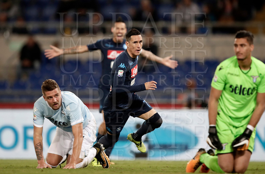 Calcio, Serie A: Roma, stadio Olimpico, 20 settembre 2017.<br /> Napoli's José Maria Callejon (c) celebrates after scoring during the Italian Serie A football match between Lazio and Napoli at Rome's Olympic stadium, September 20, 2017.<br /> UPDATE IMAGES PRESS/Isabella Bonotto