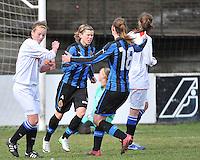 Club Brugge Dames - Heerenveen : Angelique De Wulf scoort de strafschop<br /> foto Joke Vuylsteke / nikonpro.be