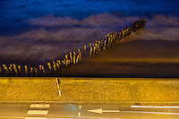 France, Ille-et-Vilaine (35), côte d'émeraude, Saint-Malo: La chausseé et la palge du Sillon à la tombée de la nuit  // France, Ille et Vilaine, cote d'emeraude (Emerald Coast), St Malo: beach: Plage du Sillon at night