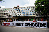 """01.06.2017 - """"Protest Trump Plans To Withdraw US From Paris Climate Deal"""""""