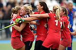 GER - Mannheim, Germany, October 25: Players of Bremer HC (red) celebrate after winning the final of the Deutsche Meisterschaft WJB against Mannheimer HC (blue) on October 25, 2015 at Mannheimer Hockey Club in Mannheim, Germany. Final score 1-1 (HT 0-1, P 5-3) (Photo by Dirk Markgraf / www.265-images.com) *** Local caption ***