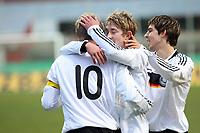 Torjubel um Toni Kroos mit Lewis Holtby und Kevin Wolze <br /> Deutschland vs. Finnland, U19-Junioren<br /> *** Local Caption *** Foto ist honorarpflichtig! zzgl. gesetzl. MwSt. Auf Anfrage in hoeherer Qualitaet/Aufloesung. Belegexemplar an: Marc Schueler, Am Ziegelfalltor 4, 64625 Bensheim, Tel. +49 (0) 151 11 65 49 88, www.gameday-mediaservices.de. Email: marc.schueler@gameday-mediaservices.de, Bankverbindung: Volksbank Bergstrasse, Kto.: 151297, BLZ: 50960101