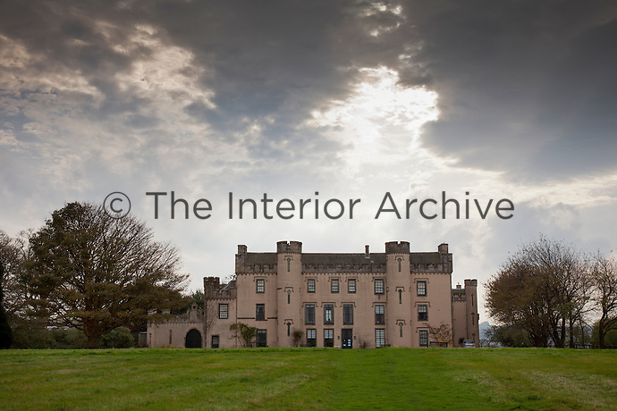 """The 'Gothicized"""" north front of the House of Binns in Linlithgow"""