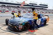 NASCAR Xfinity Series<br /> ToyotaCare 250<br /> Richmond International Raceway, Richmond, VA USA<br /> Saturday 29 April 2017<br /> Daniel Suarez, Juniper Toyota Camry pit stop<br /> World Copyright: Russell LaBounty<br /> LAT Images<br /> ref: Digital Image 17RIC1Jrl_4318