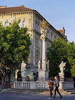 Dreifaltigkeitssäule auf dem Rybne nam. in Bratislava, Bratislavsky kraj, Slowakei, Europa<br /> Trinity column at Rybne nam., Bratislava, Bratislavsky kraj, Slovakia, Europe