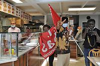 - In Italia crescono rapidamente le tensioni sociali per la crisi economica dovuta all'epidemia di Coronavirus. A Milano la prima manifestazione di massa indetta da alcuni sindacati di base e centri sociali giovanili, alcune migliaia di lavoratori della logistica, dei servizi al turismo, delle pulizie e della sanità, categorie con una grossa percentuale di immigrati e che hanno subito gravi danni dal lungo periodo di lockdown<br /> <br /> - In Italy, social tensions are rapidly growing due to the economic crisis caused by the Coronavirus epidemic. In Milan the first mass demonstration called by some base unions and youth social centres, a few thousand workers in logistics, tourism services, cleaning and health care, categories with a large percentage of immigrants and who have suffered serious damage from the long lockdown period.