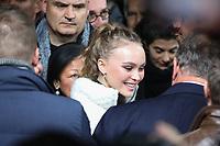 LILY ROSE DEPP - INAUGURATION DES ILLUMINATIONS DE NOEL DES CHAMPS-ELYSEES A PARIS, FRANCE, LE 22/11/2017.