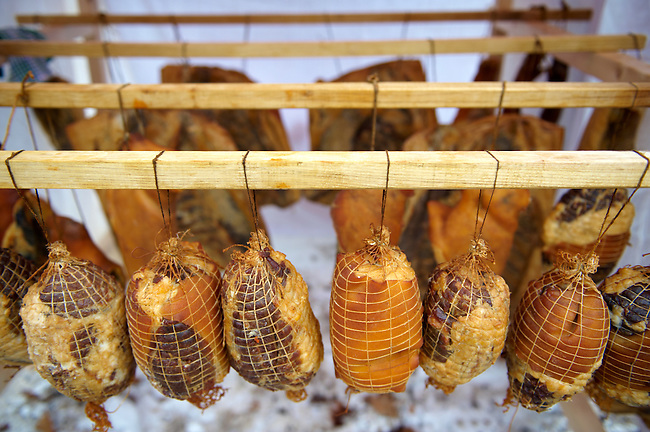 Smoked Magalicsa hams