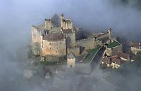 Europe/France/Aquitaine/24/Dordogne/Vallée de la Dordogne/Périgord Noir/Beynac-et-Cazenac: Le Château de Beynac à l'aube - Vue aérienne