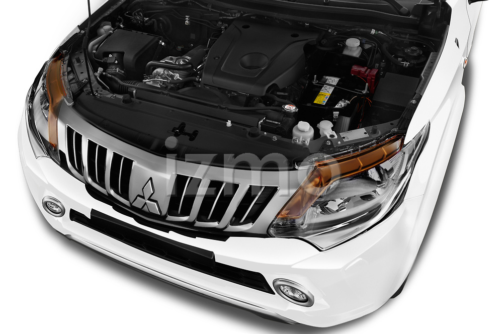 Car stock 2018 Mitsubishi L200 Intense 2 Door Pick Up engine high angle detail view