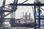 Port of Tacoma, Container ship, MV Horizon Enterprise, Horizon Lines, APM Terminals, container cranes, tug and fuel barge, Puget Sound, Tacoma, Washington State, Pacific Northwest, USA, US flagged vessel,