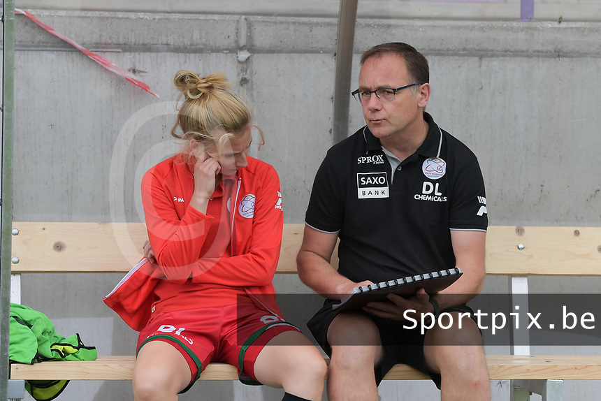 assistant coach Steven Camelbeke of Zulte Waregem with Laura Vervacke (20) of Zulte Waregem  pictured before a female soccer game between SV Zulte - Waregem and Club Brugge YLA on the fourth matchday of the 2021 - 2022 season of the Belgian Scooore Womens Super League , saturday 11 of September 2021  in Harelbeke , Belgium . PHOTO SPORTPIX   DIRK VUYLSTEKE