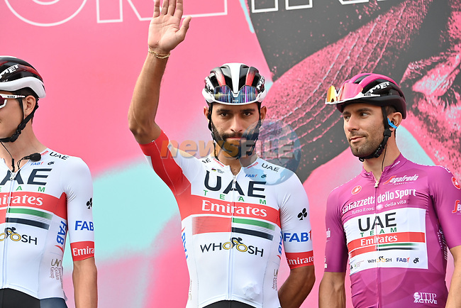Fernando Gaviria (COL) and Maglia Ciclamino Diego Ulissi (ITA) UAE Team Emirates at sign on before the start of Stage 4 of the 103rd edition of the Giro d'Italia 2020 running 140km from Catania to Villafranca Tirrena, Sicily, Italy. 6th October 2020.  <br /> Picture: LaPresse/Gian Mattia D'Alberto | Cyclefile<br /> <br /> All photos usage must carry mandatory copyright credit (© Cyclefile | LaPresse/Gian Mattia D'Alberto)