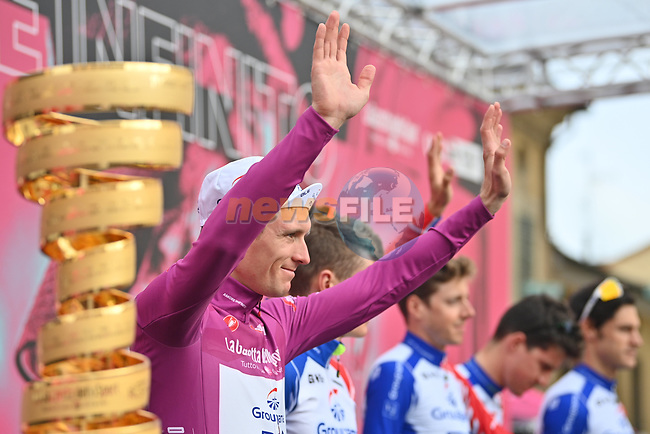 Maglia Ciclamino Arnaud Demare (FRA) Groupama-FDJ at sign on before the start of Stage 13 of the 103rd edition of the Giro d'Italia 2020 running 192km from Cervia to Monselice, Italy. 16th October 2020.  <br /> Picture: LaPresse/Massimo Paolone | Cyclefile<br /> <br /> All photos usage must carry mandatory copyright credit (© Cyclefile | LaPresse/Massimo Paolone)