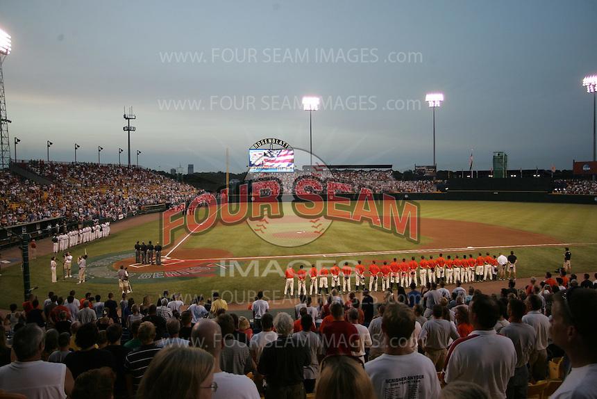 NCAA Baseball, Rosenblatt Stadium, College World Series. Photo by Andrew Woolley / Four Seam Images..