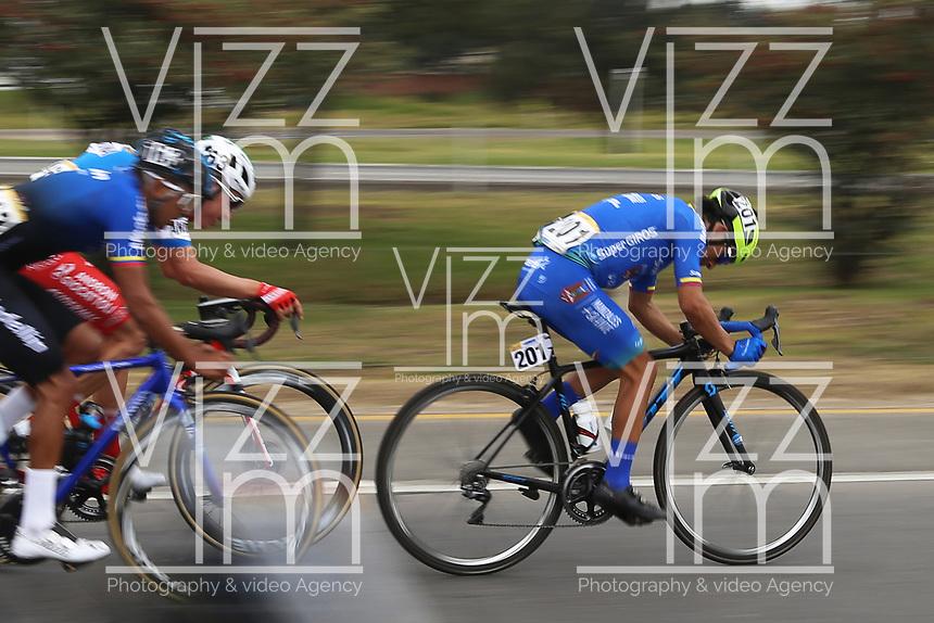 TUNJA - COLOMBIA, 15-02-2020: Walter Fernando Pedraza Morales (COL), SUPER GIROS, durante la quinta etapa del Tour Colombia 2.1 2020 con un recorrido de 180,5 km que se corrió entre Paipa, Boyacá, y Zipaquirá, Cundinamarca. / Walter Fernando Pedraza Morales (COL), SUPER GIROS, during the fIFTH stage of 180,5 km as part of Tour Colombia 2.1 2020 that ran between Paipa, Boyaca, y Zipaquirá, Cundinamarca.  Photo: VizzorImage / Darlin Bejarano / Cont