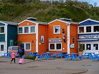 Restaurant Bunte Kuh Hafenstraße, Unterland, Insel Helgoland, Schleswig-Holstein, Deutschland, Europa<br /> Restaurant - Bunte Kuh-, Unterland, Helgoland island, district Pinneberg, Schleswig-Holstein, Germany, Europe
