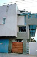 Rudolph Schindler: Lovell Beach House. East side elevation.