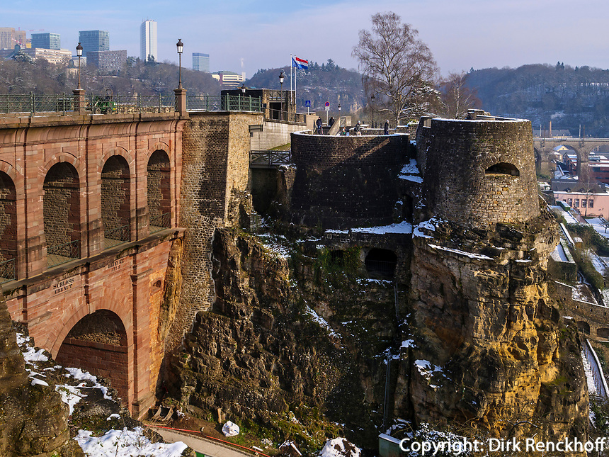 Schlossbrücke, Bock-Kasematten- Casemates du Bock, Luxemburg-City, Luxemburg, Europa, UNESCO-Weltkulturerbe<br /> Castle Bridge, Bock casemate, Luxembourg City, Europe, UNESCO Heritage Site